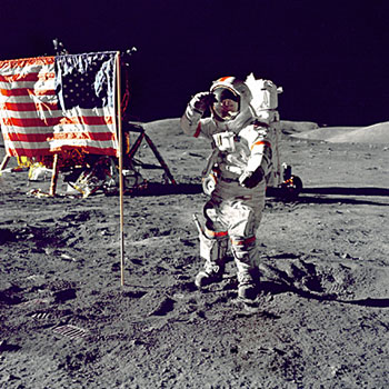 Neil-Armstrong-american-flag-350x350